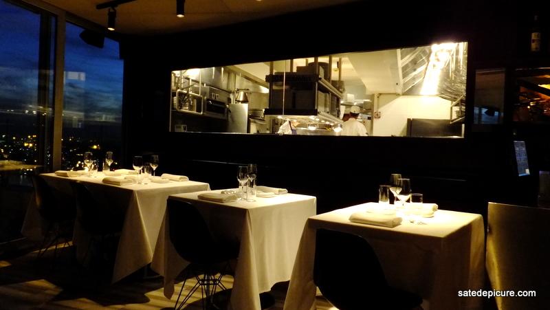 Amazing mkla kitchen window with alinea cuisine origin for Alinea cuisine origin