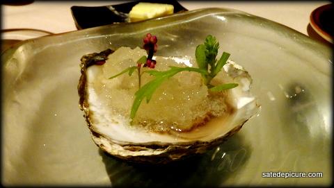 8-belon-oyster-meyer-lemon-seaweed-ice